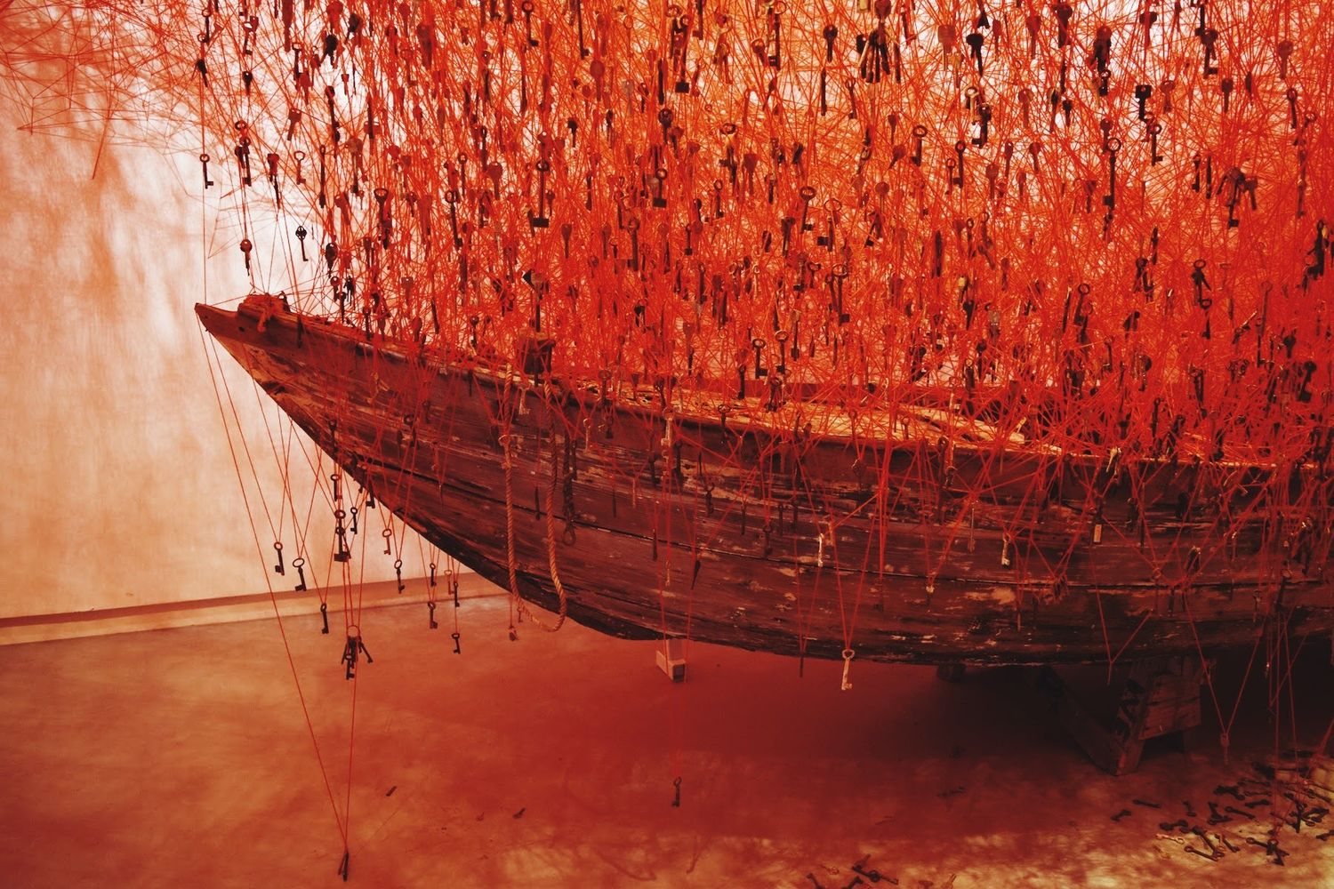 "Chiharu Shiota ""The Key in the Hand"""