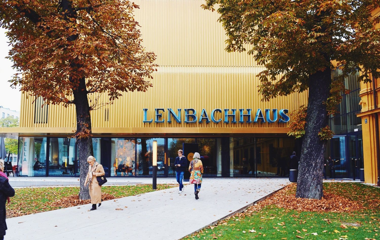 Lenbachhaus Entrance