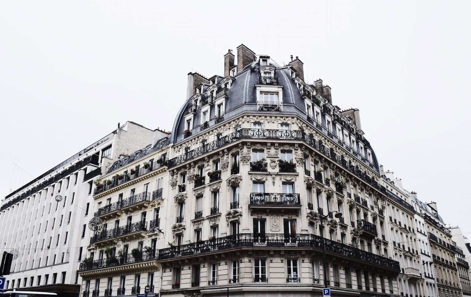 architecture black iron balconies in paris. Black Bedroom Furniture Sets. Home Design Ideas