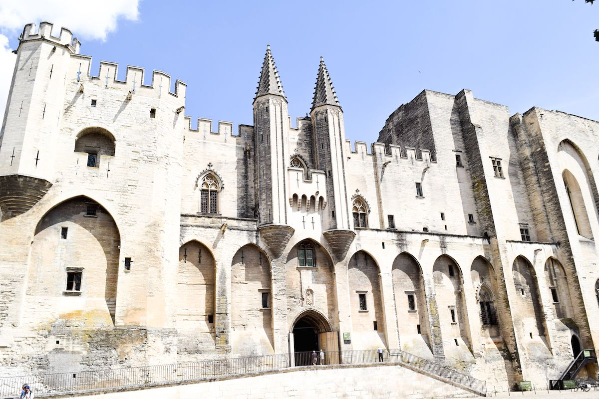 Best Cities to Visit in France – Palais des Papes, Avignon