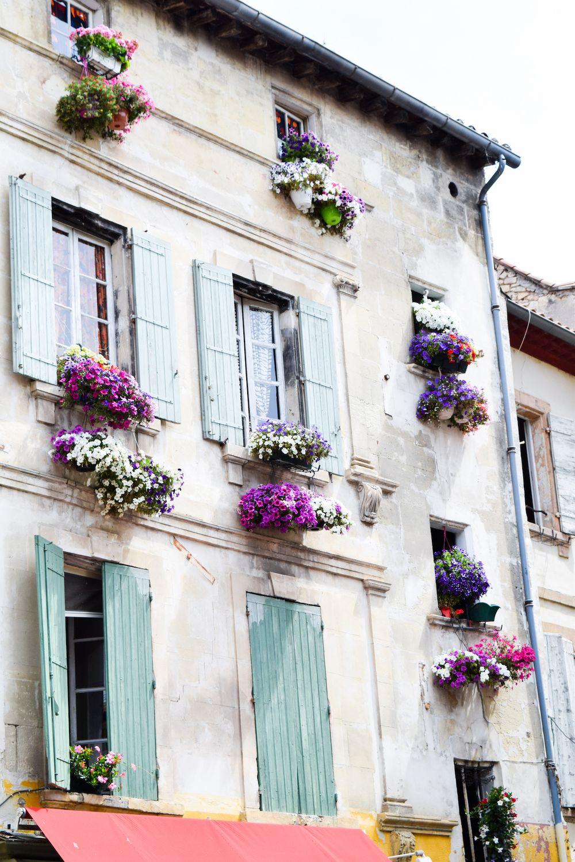Arles Place du Forum