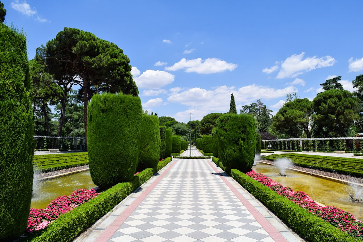 3 gorgeous places inside el retiro park madrid - Garden center madrid ...