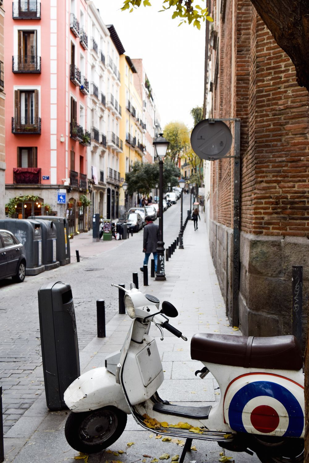 Scooter in Malasaña, Madrid