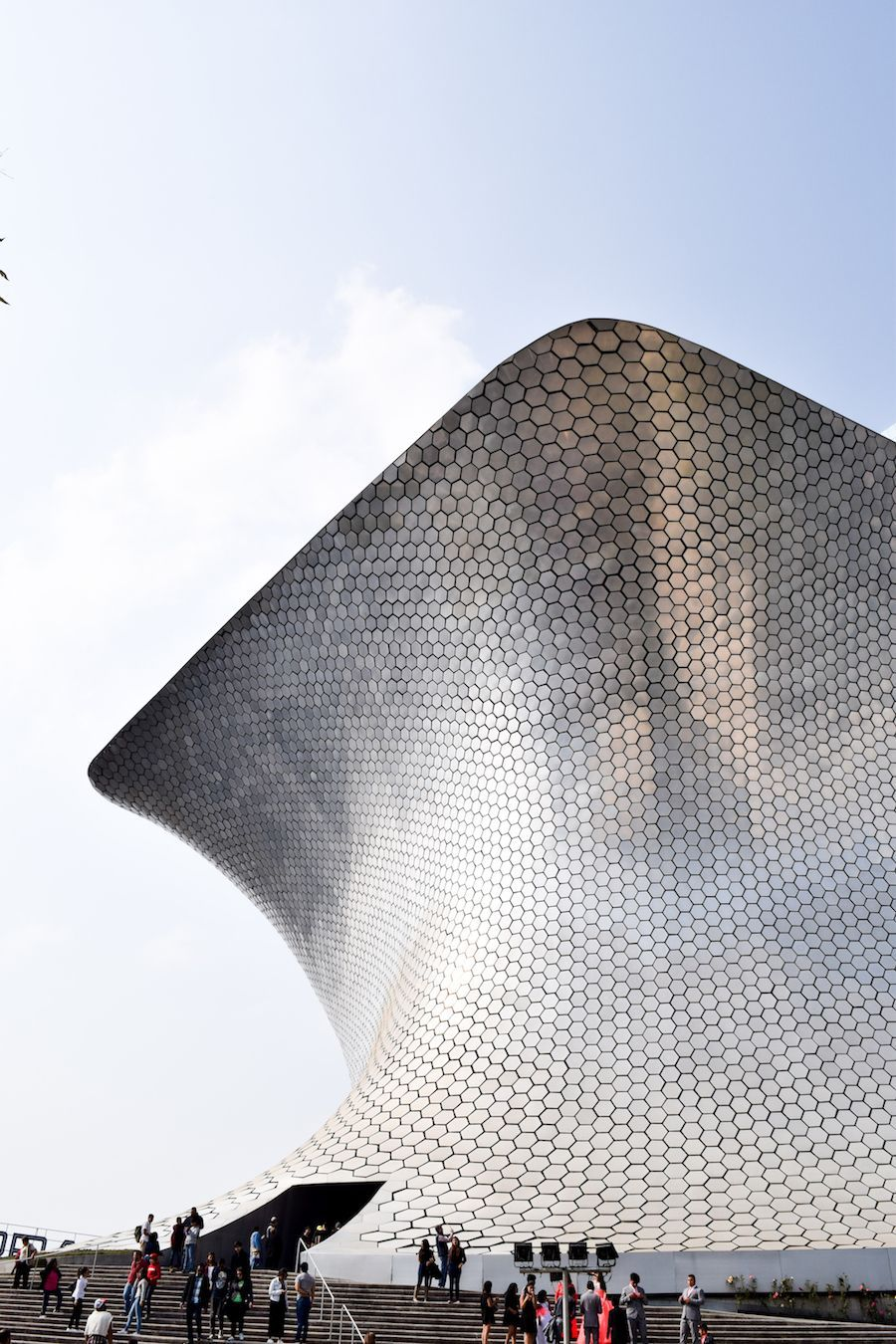 Best Art Museums in Mexico City - Museo Soumaya, Mexico City Culture, Mexico City Art, Mexico City Travel Guide