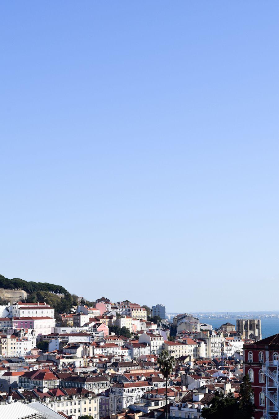 Miradouro de São Pedro de Alcântara : A beautiful look-out spot in Lisbon Portugal, you must go!