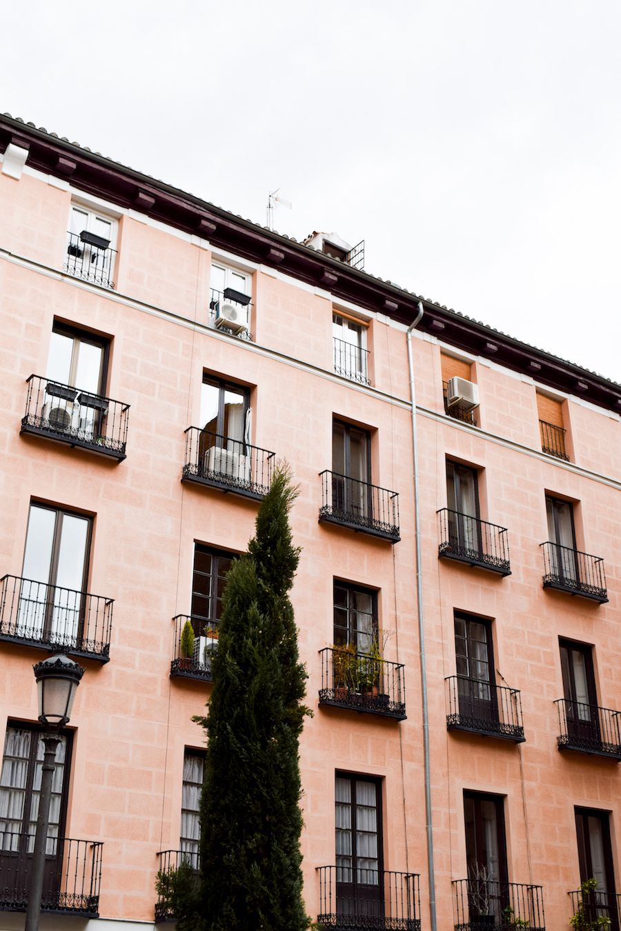 Pink building in Sol, Madrid