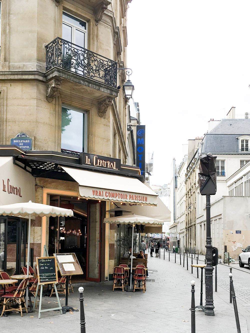 Perfect Paris Corner