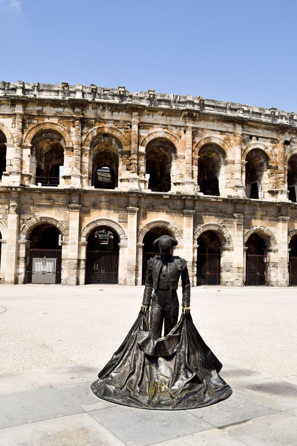 See ruins of the Roman Empire in France: Nîmes Amphitheatre