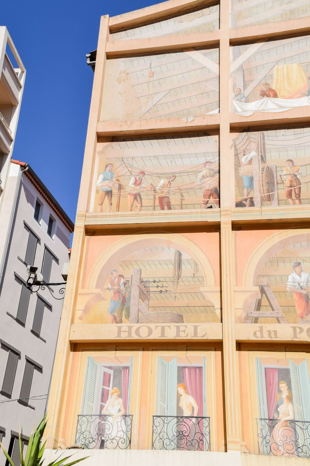 Trompe l'oeil Building in Old Town Toulon, France