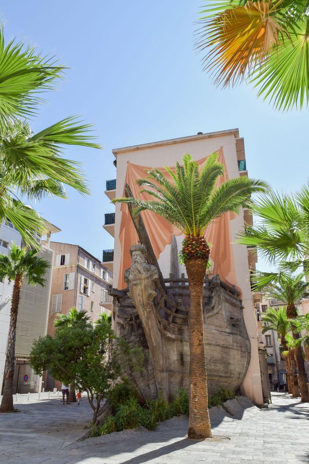 Public Art: Sculpture De Bateau, Toulon, France