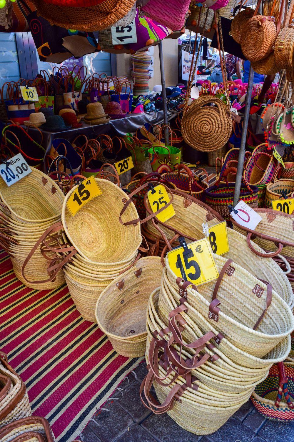 Straw Baskets For Sale In L'Isle Sur La Sorgue