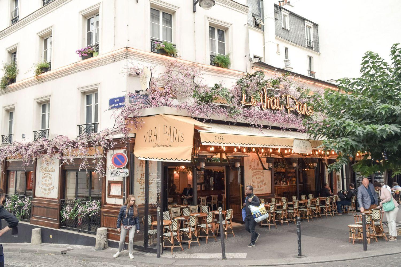 Le Vrai Paris Restaurant An Adorable Bistrot In Montmartre