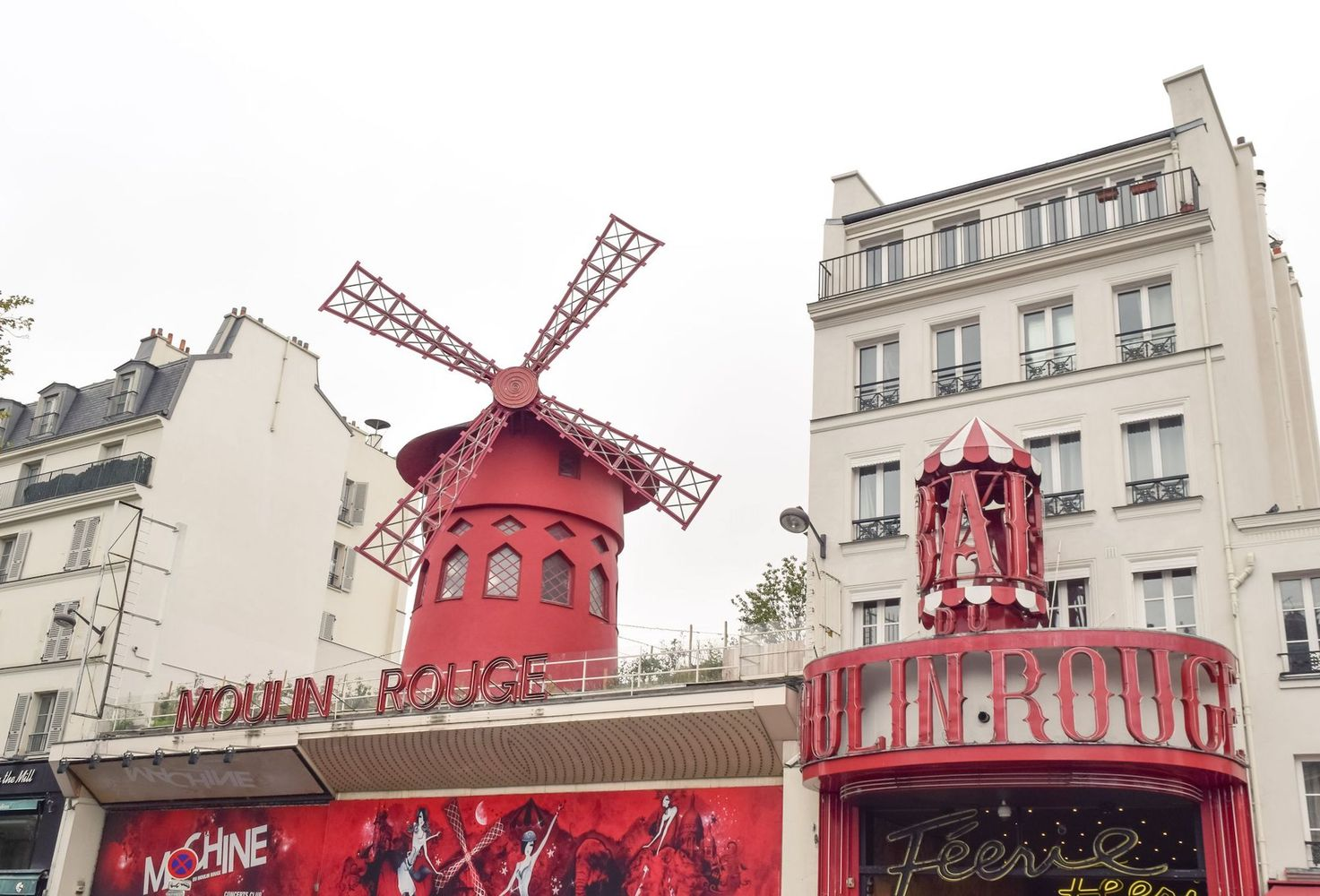 Things to do in Montmartre - Moulin Rouge, Paris