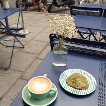 Coffee and Matcha White Chocolate Cookie at 5 Pailles Coffee, Paris
