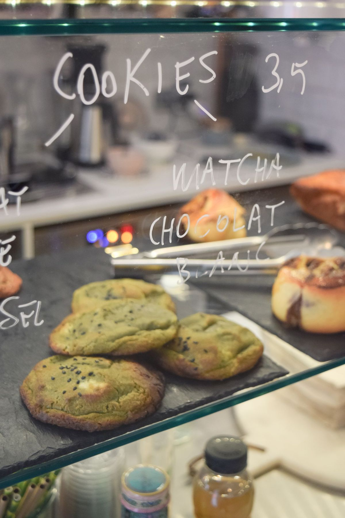 Matcha Chocolat Blanc Cookies at 5 Pailles Coffee, Paris