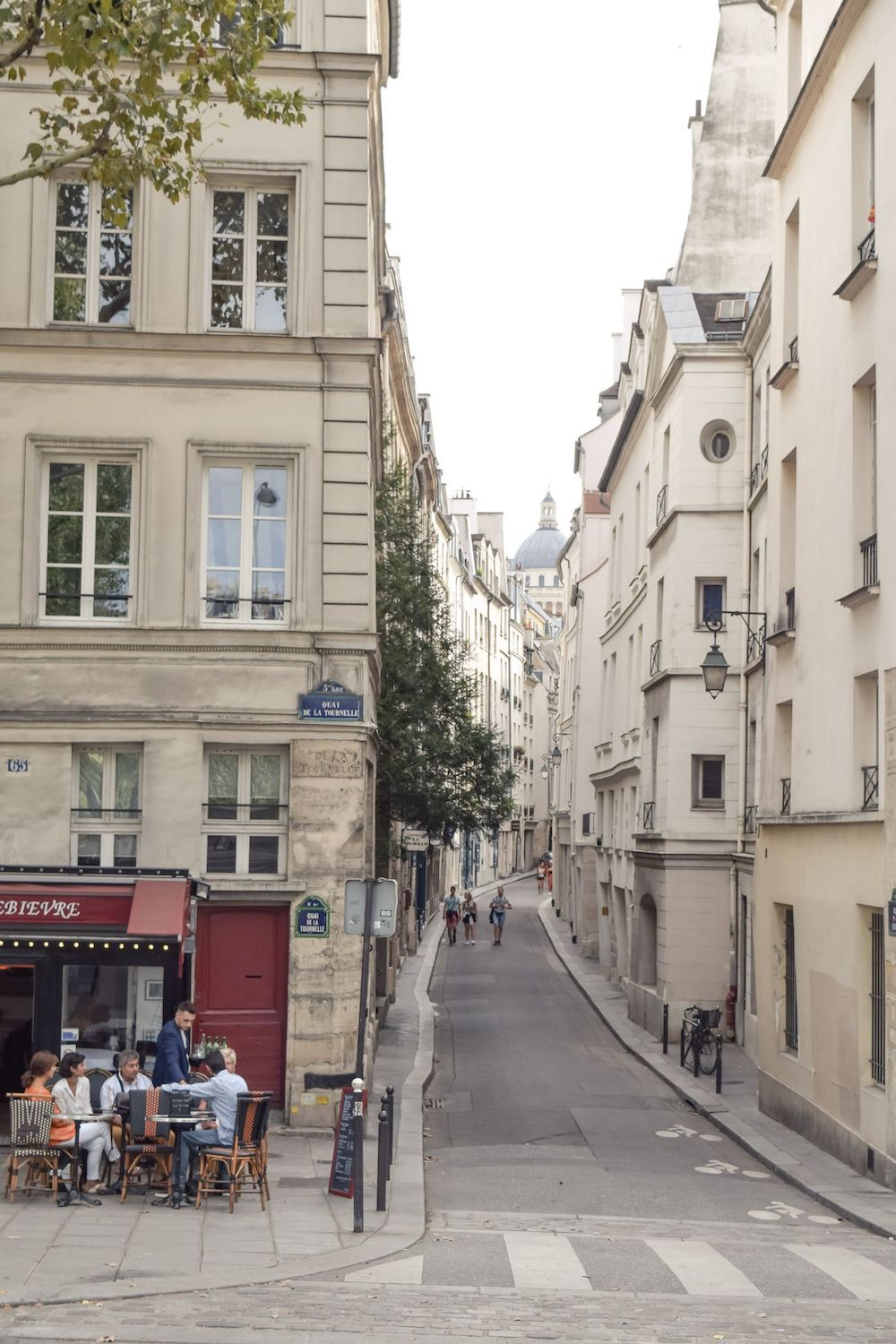 A narrow street in the 5th