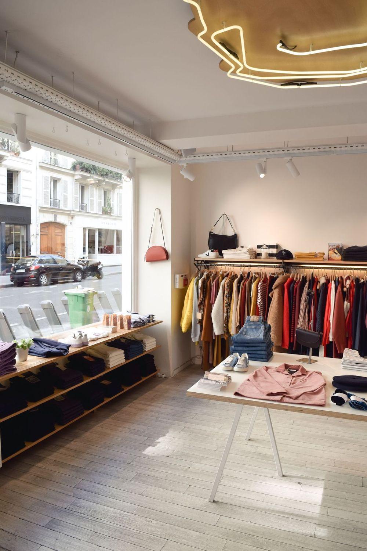 Centre Commercial Shop in Paris