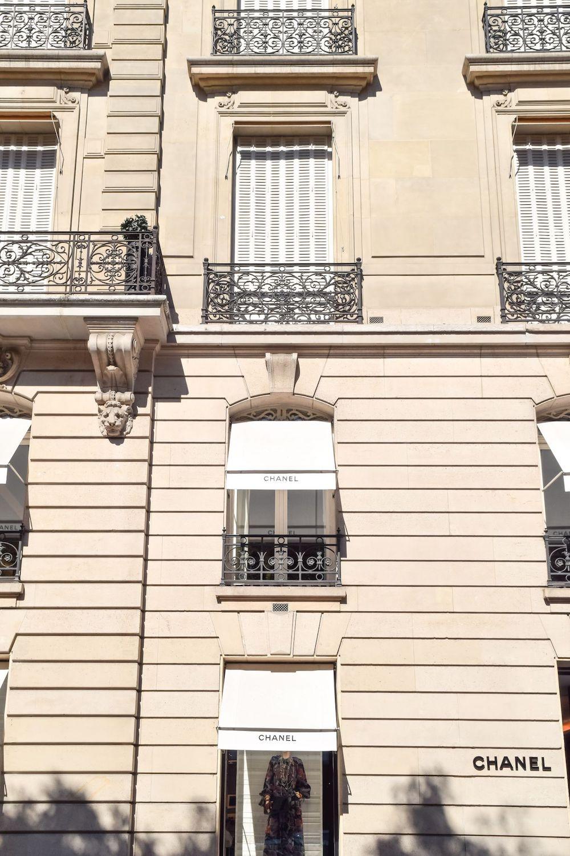 Chanel Store On Avenue Montaigne, Paris