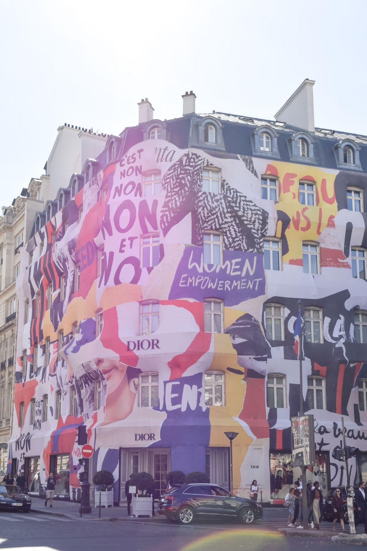 Dior Store On Avenue Montaigne, Paris