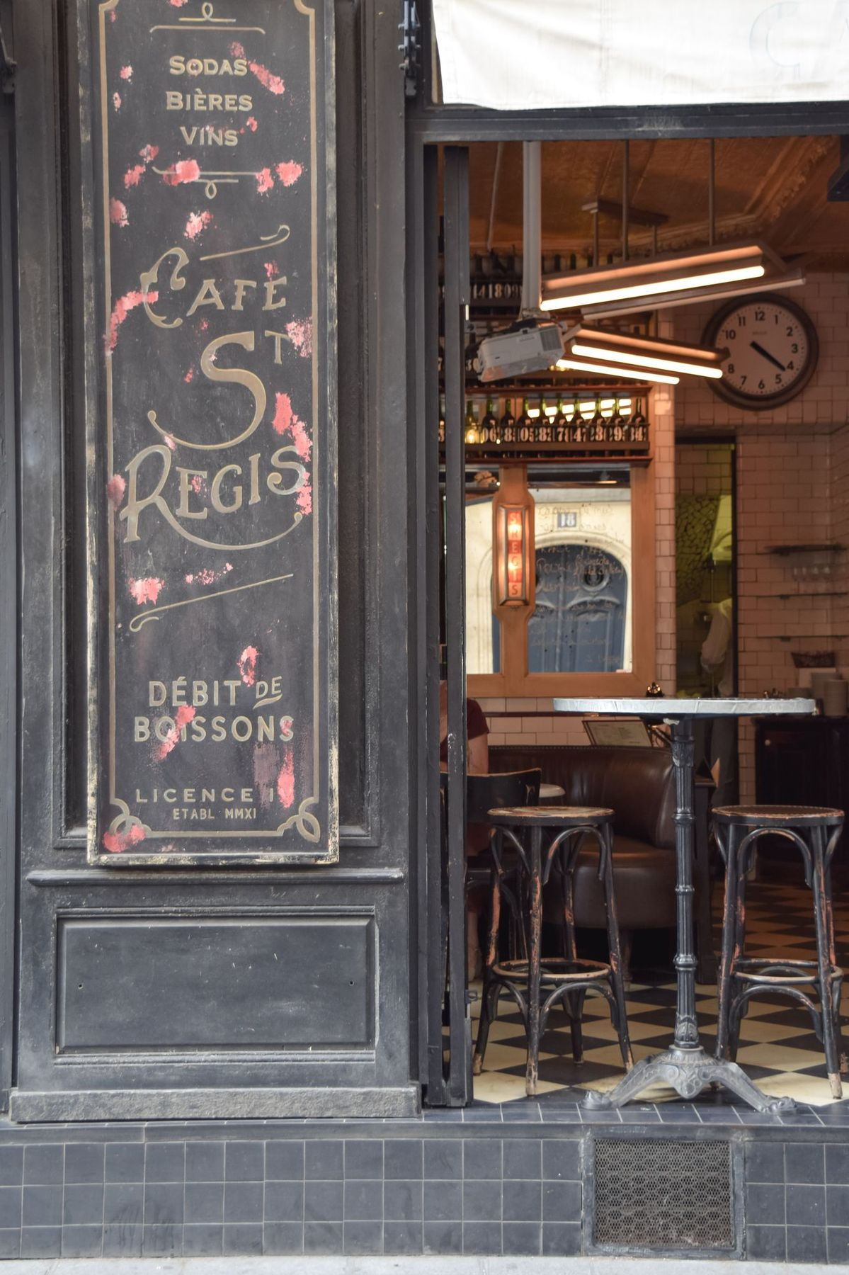 Café Saint-Régis, Île Saint-Louis, Paris