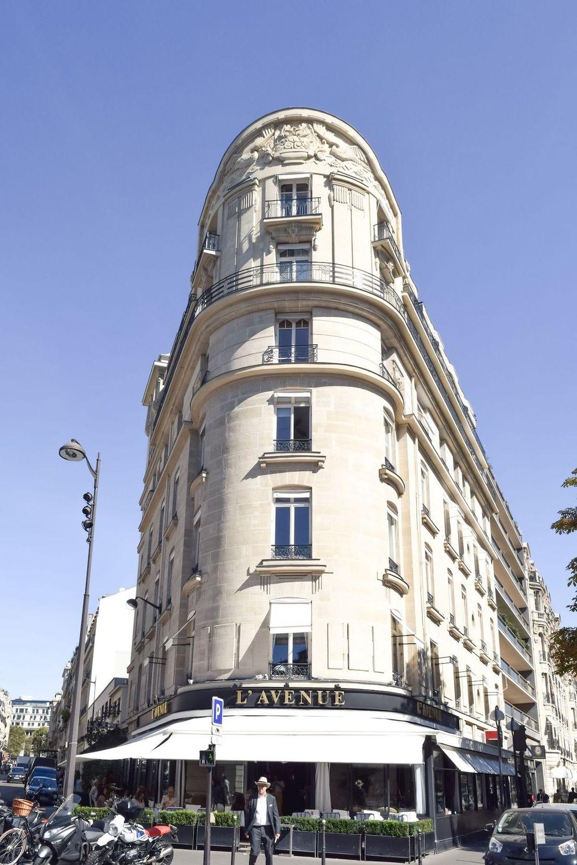 L'Avenue Restaurant On Avenue Montaigne, Paris