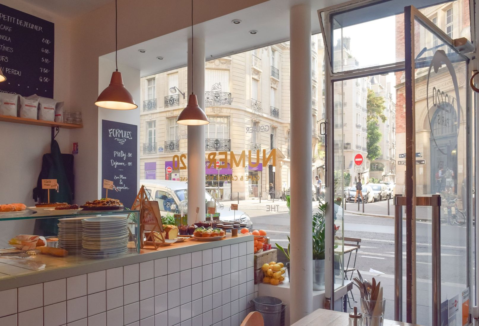 Numero 220 Café, Paris
