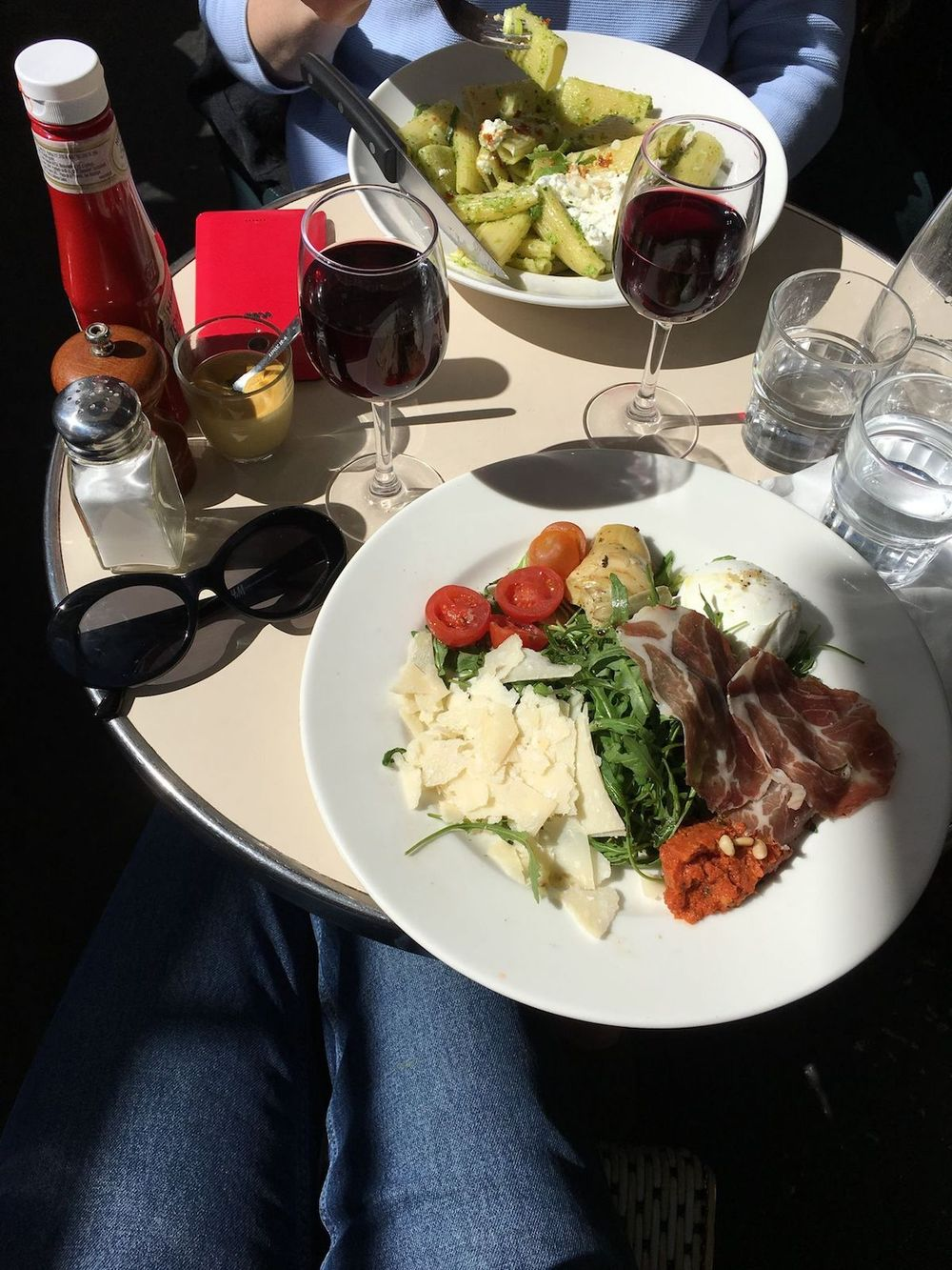 Where to eat during summer in Paris - Italian Plate at Pause Café, Paris