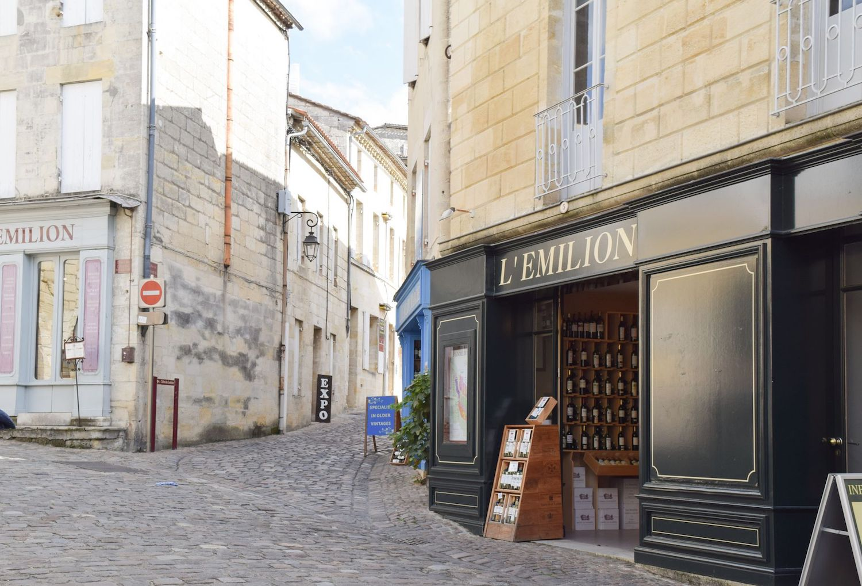 Wine Shop in Saint-Émilion