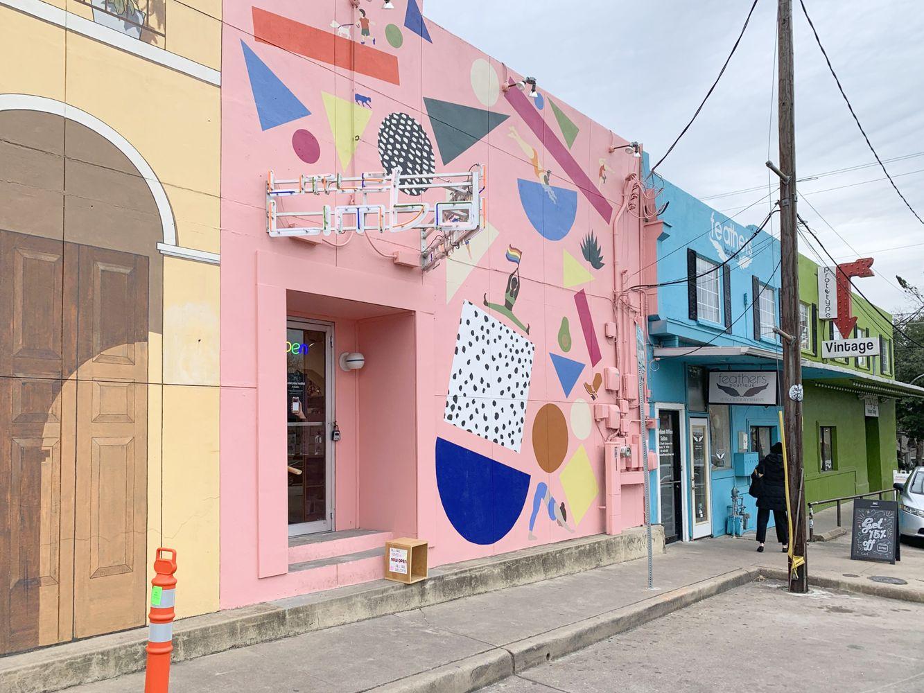 Pink Graphic W Milton St Austin Murals