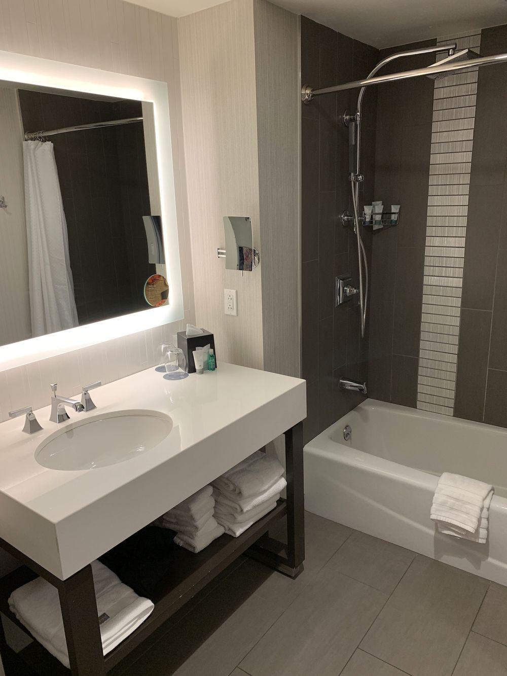 Westin Austin Downtown Hotel Bathroom