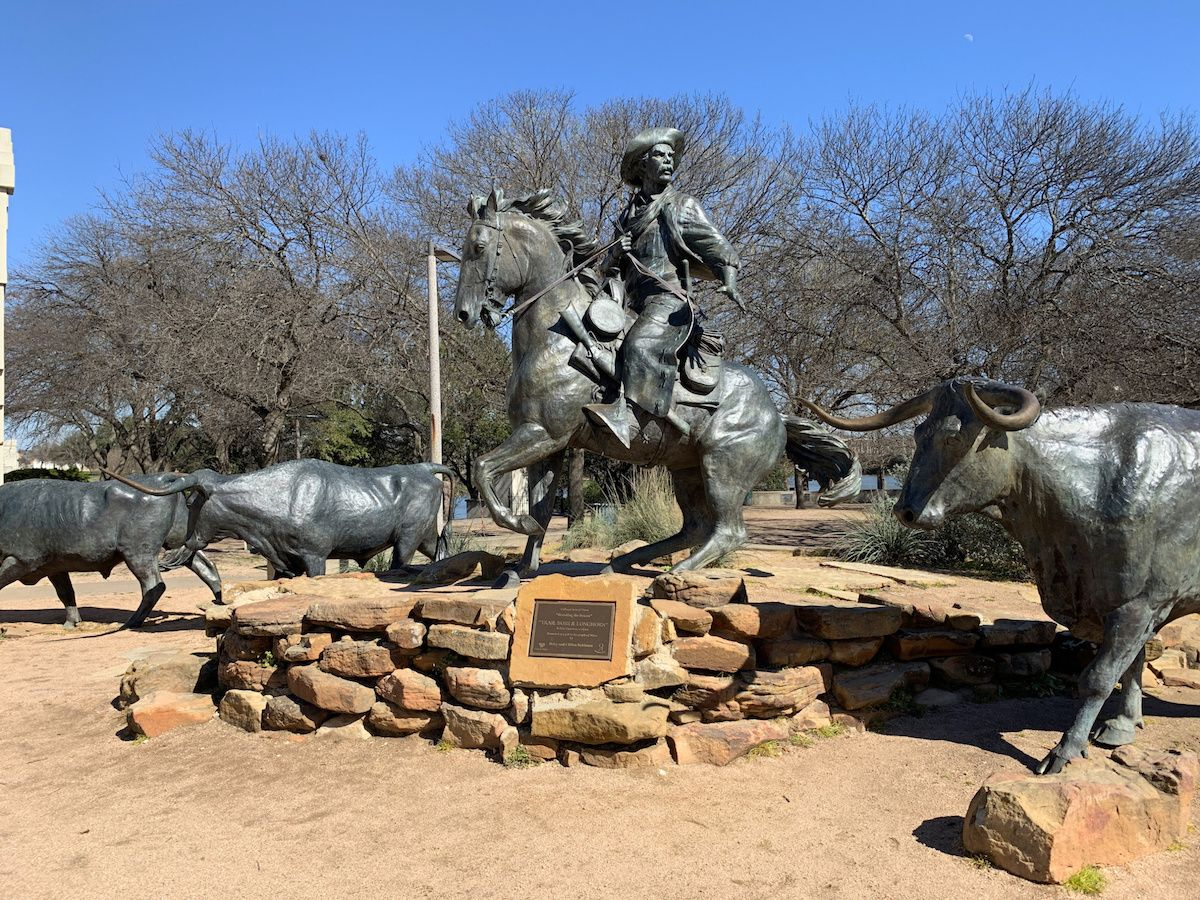 Texas Ranger Sculptures in Downtown Waco, TX – Waco Travel Guide