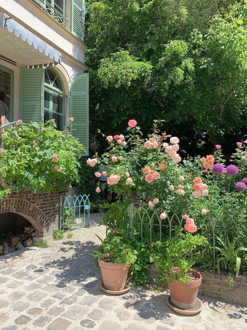 Rose Bakery in the hidden garden courtyard of the Musée de la Vie Romantique