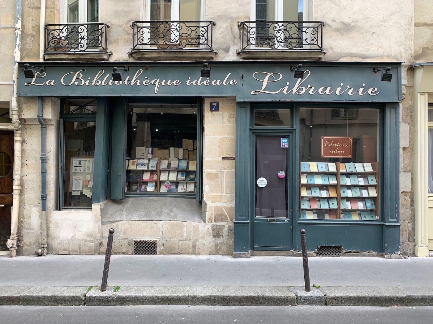 Bibliotheque ideal Librairie in Paris 5th