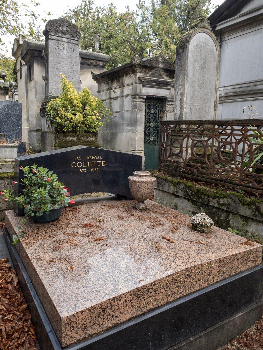 Père Lachaise Colette Tomb