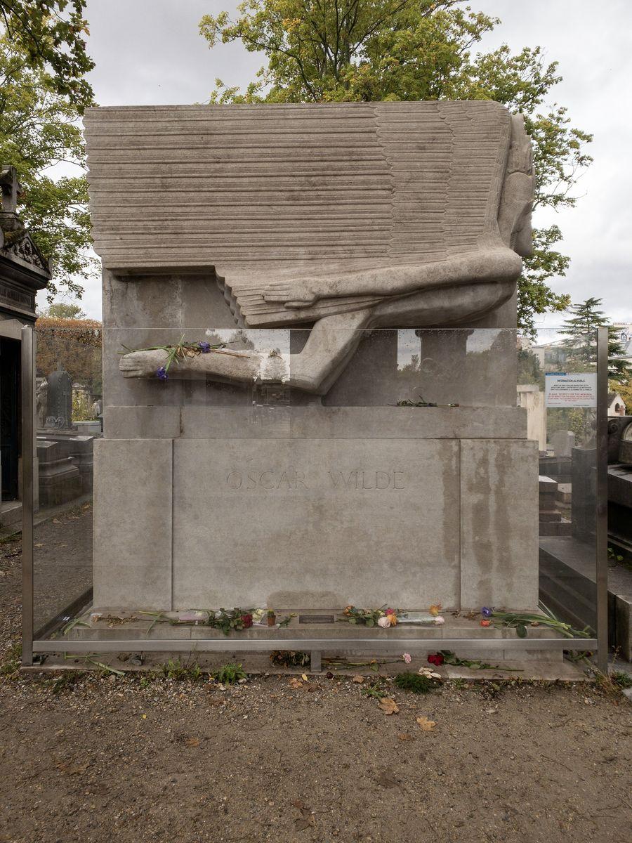 Père Lachaise Oscar Wilde Tomb