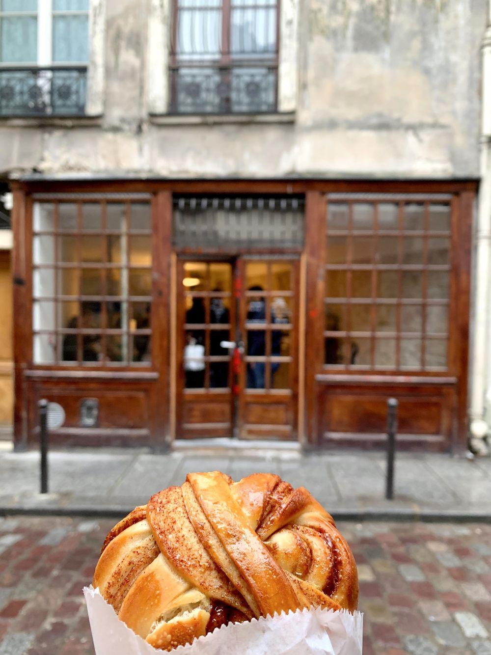 Circus Bakery Cinnamon Rolls, Paris