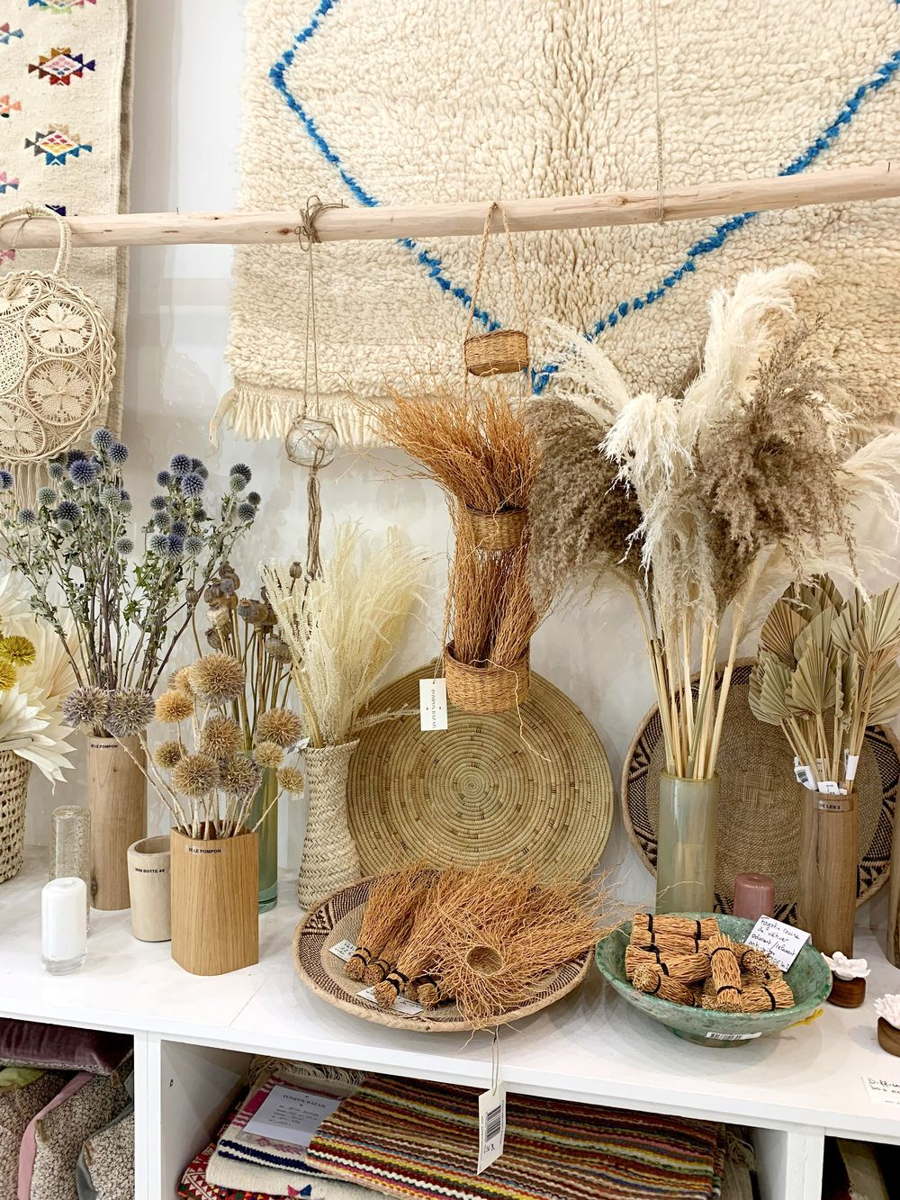 Pompon Bazar - Dried Flowers In Paris
