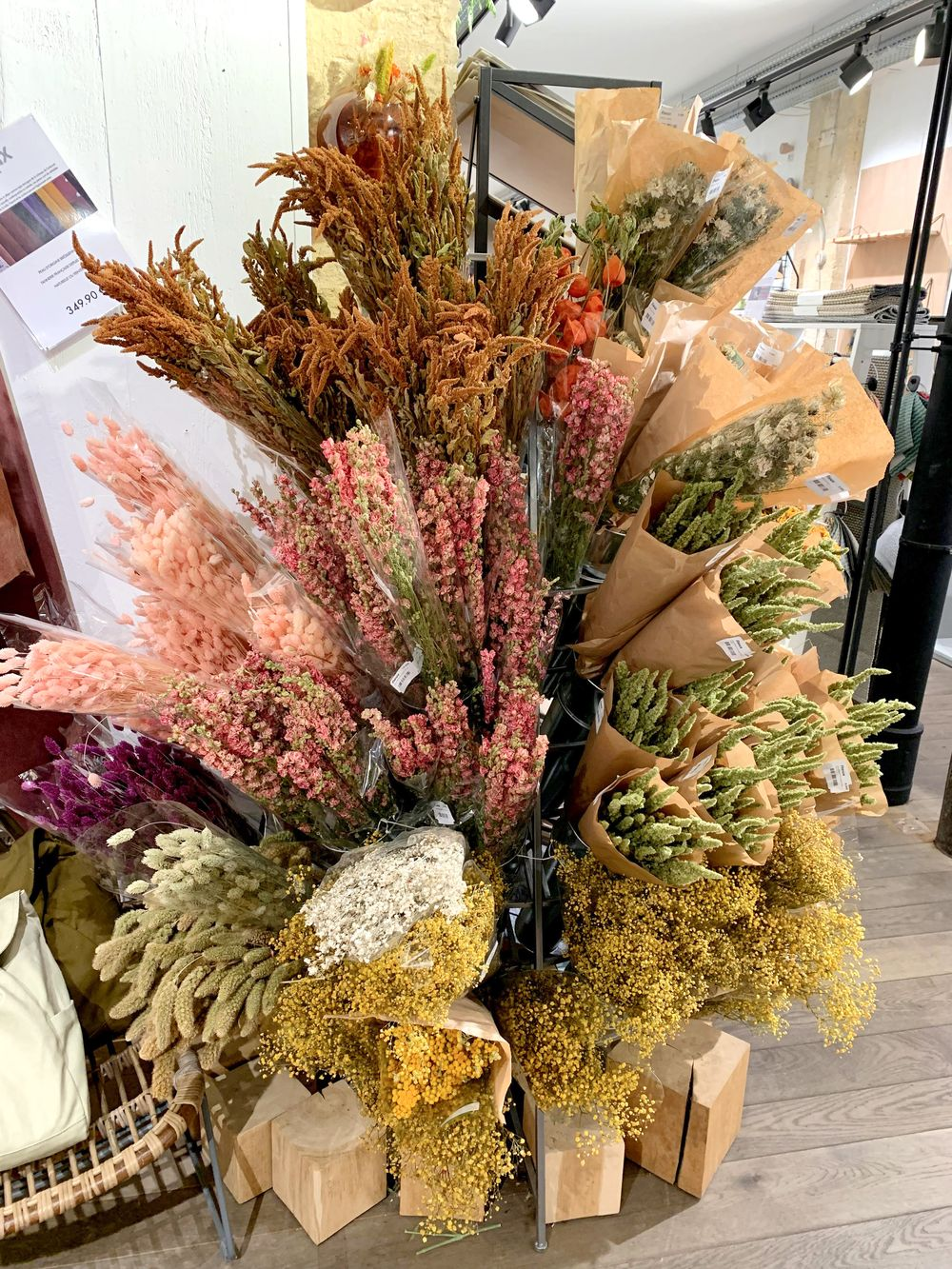 Fleux - Dried Flowers In Paris